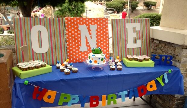 Dinosaur 1st birthday party