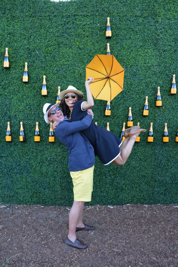 veuve_clicquot_polo_classic_umbrella_dancing_3
