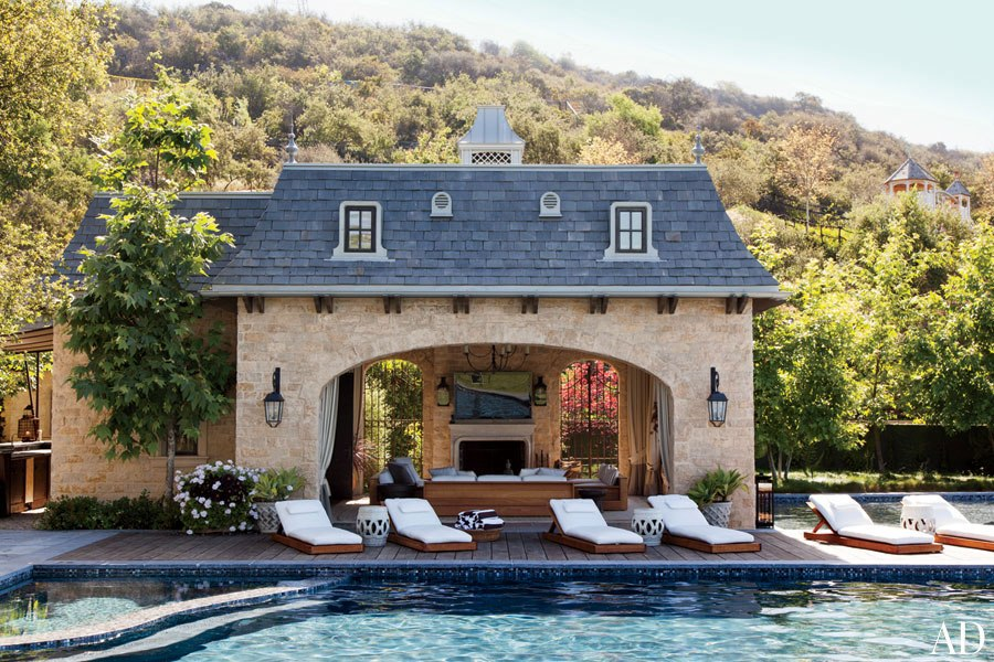 brady-gisele-bundchen-tom-brady-pool-house-AD