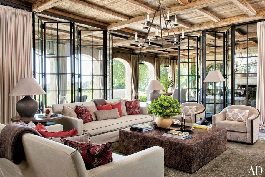 brady-gisele-bundchen-tom-brady-eco-home-family-room