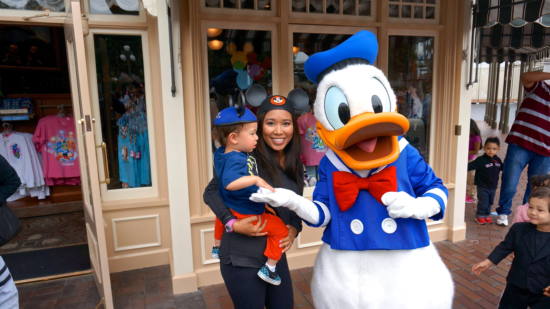 Disneyland // Meet Donald Duck