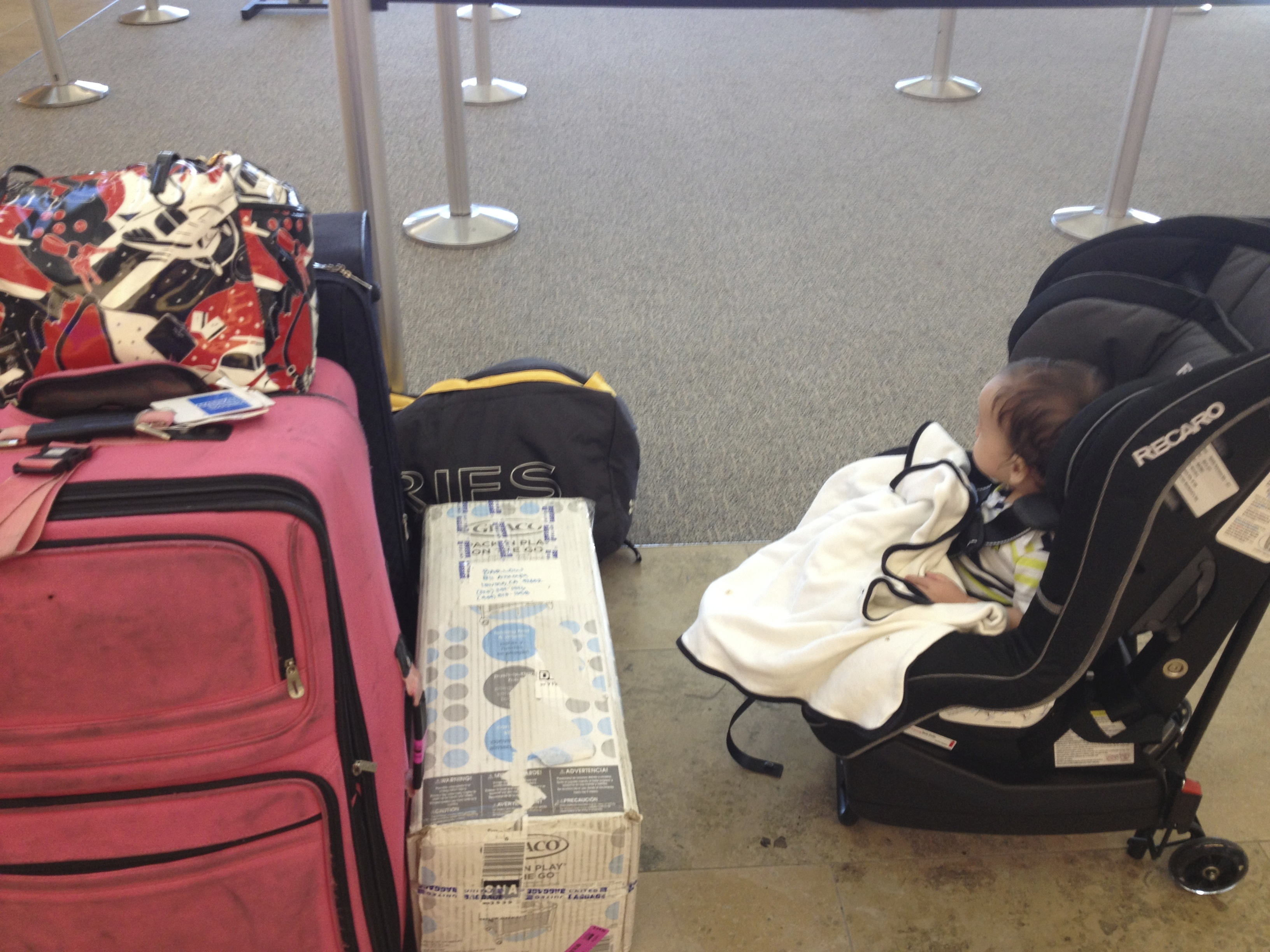 airport luggage // toddler