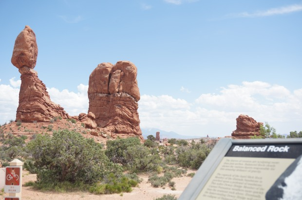 balanced rock // arches national park // moab utah