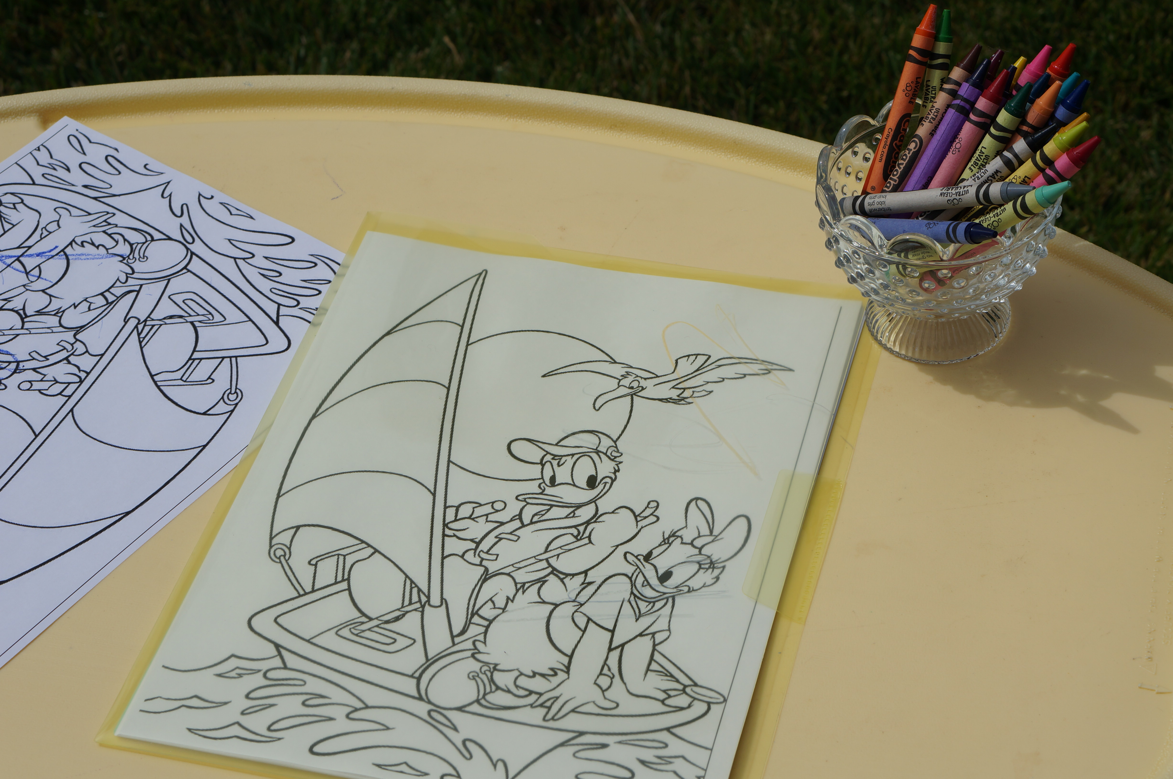 Donald Duck Nautical birthday // coloring station // crayons // coloring book
