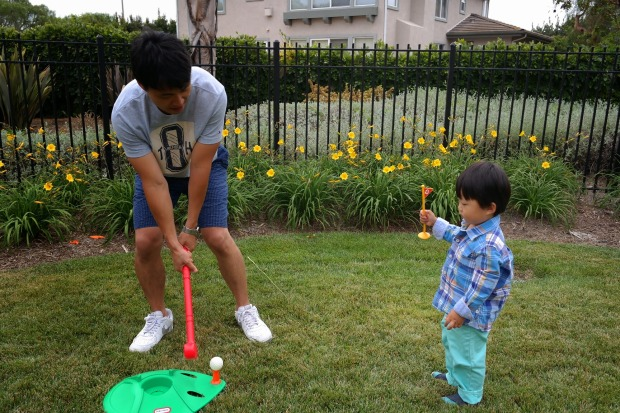 birthday party // toddler golfing