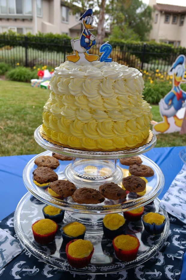 Donald Duck Nautical birthday cake