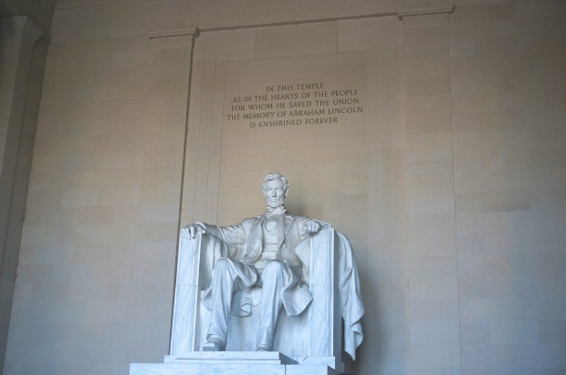 President Abe Lincoln_Lincoln Memorial