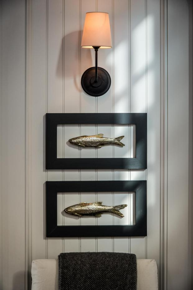 hgtv_dream_home_2015_artistic_framed-metal-fish-sconce-great-room_v.jpg.rend.hgtvcom.1280.1920