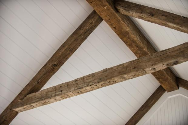 hgtv_dream_home_2015_great-room_rustic-ceiling-beams-closeup_h.jpg.rend.hgtvcom.1280.853