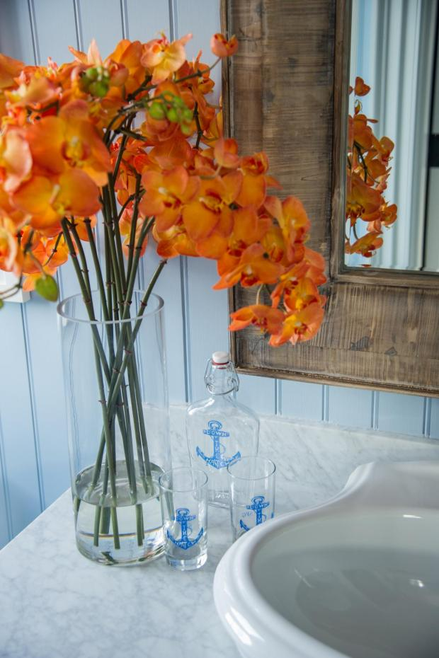 hgtv_dream_home_2015_guest-bathroom_orange-flowers-counter-closeup_v.jpg.rend.hgtvcom.1280.1920